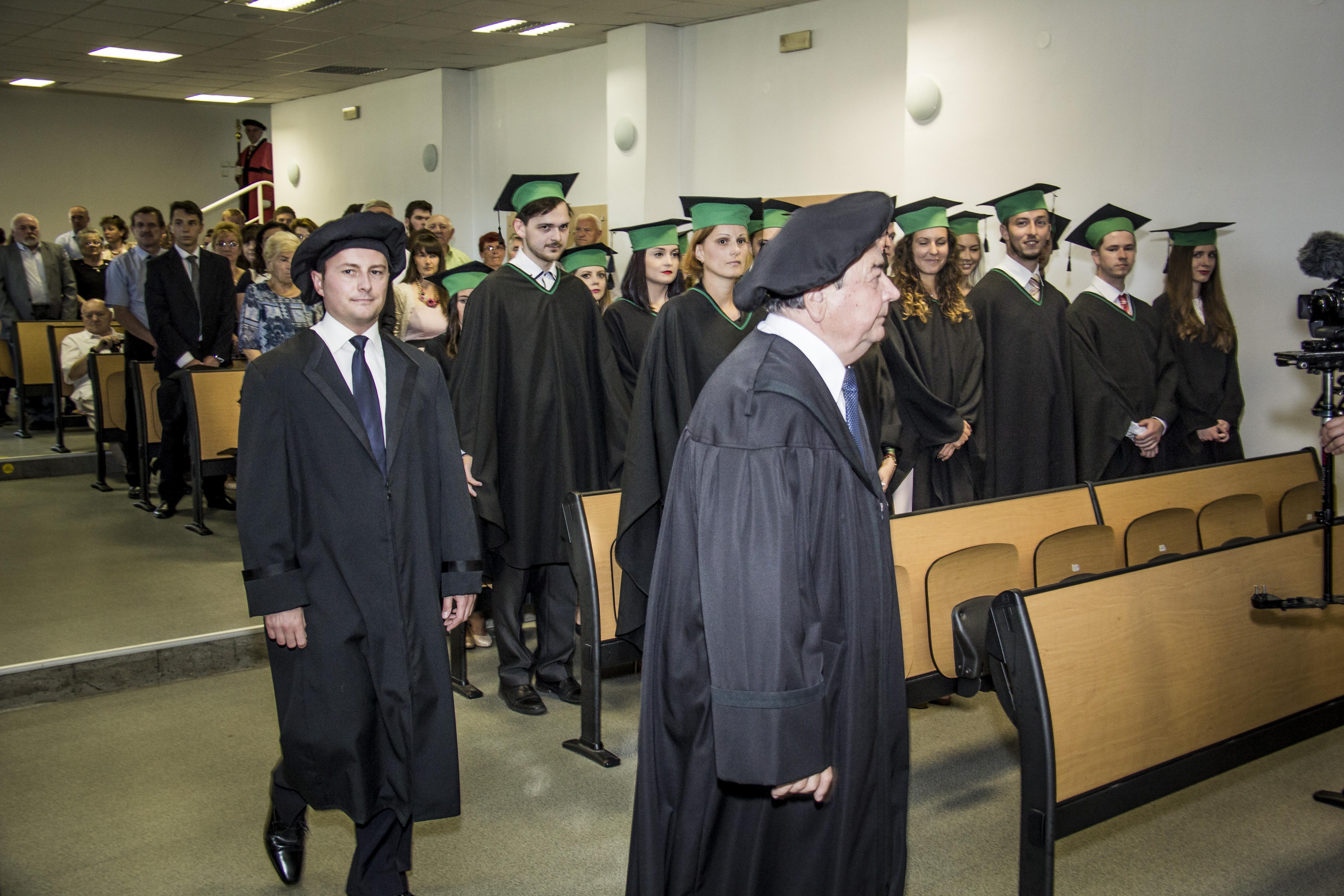 a81a52a02941 Oficiálna stránka TnUAD  Promócie študentov Trenčianskej univerzity